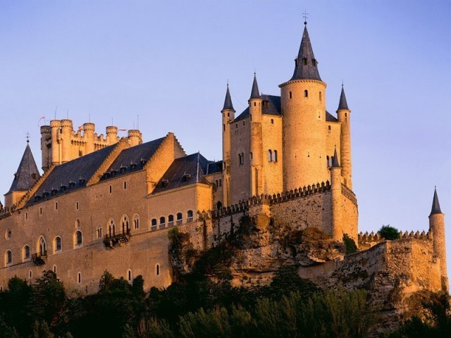 Cover photo of resource - Alcázar de Segovia