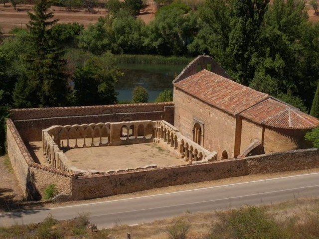 Cover photo of resource de Antiguo Monasterio y Claustro de San Juan de Duero