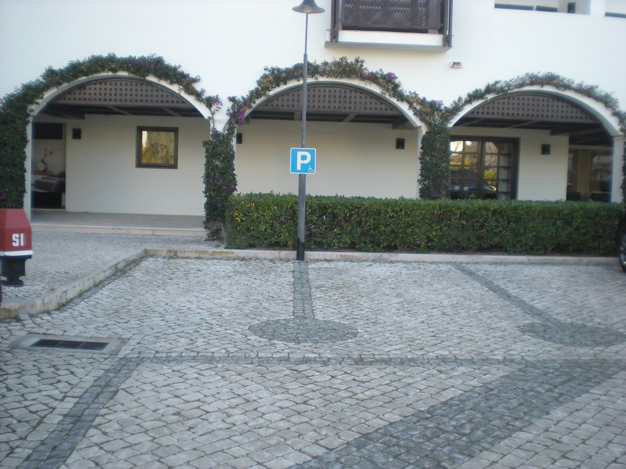 Photo/s of characteristics of prm parking
