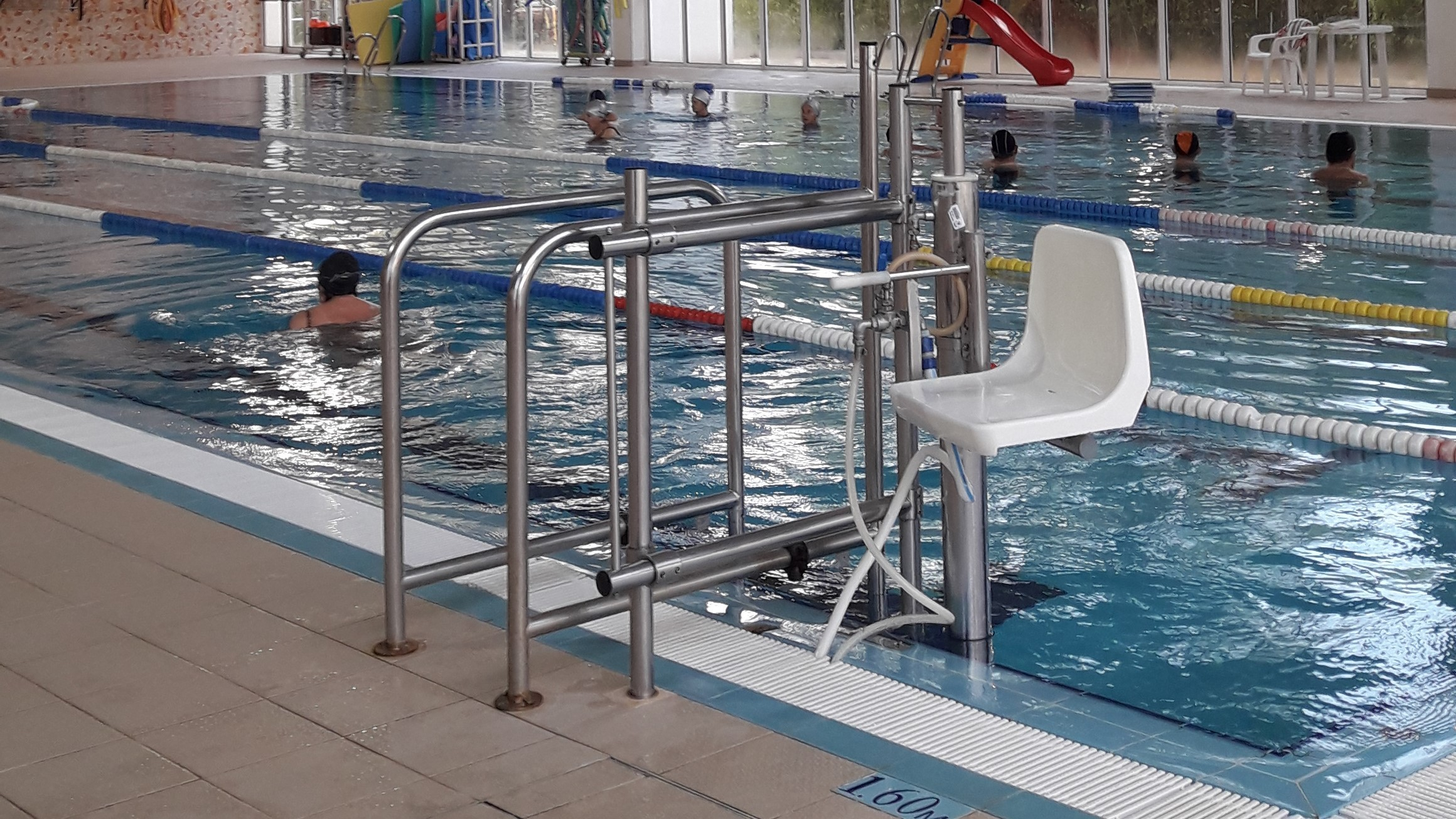 Photo/s of 1º swimming pool - swimming pool vase