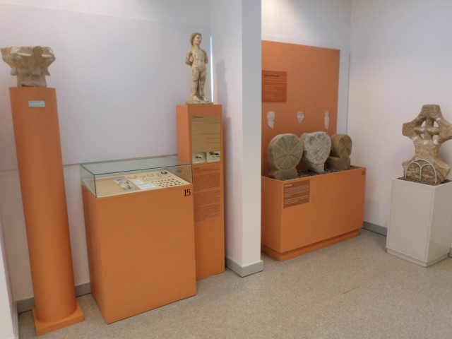 Photo/s of 1º exhibition room - exhibition equipment