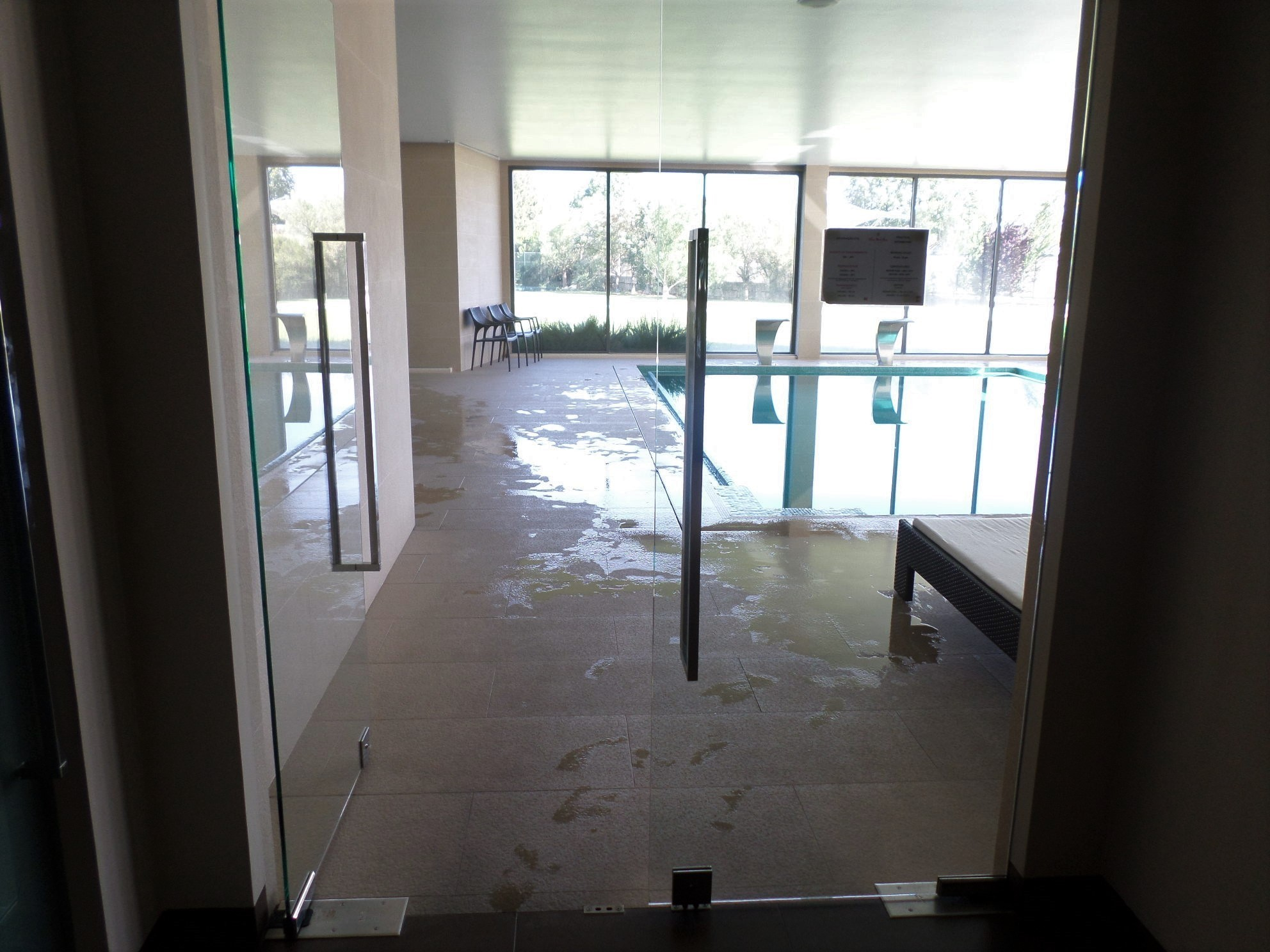 Photo/s of 1º swimming pool - connecting door